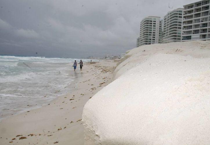 La temporada de huracanes ya inició y aún no se reactiva el Comité de Recuperación de Playas. (Israel Leal/SIPSE)