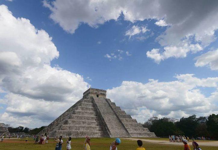 El próximo día 19 se quedarán sin sombra edificios emblemáticos como El Castillo y el templo de las Mil Columnas de Chichén Itzá. (SIPSE)