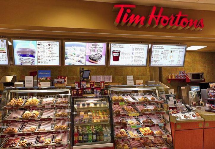 Tim Hortons es la cadena de cafeterías de mayor prestigio y presencia en Canadá, superando incluso a Starbucks. (franchisezing.com)