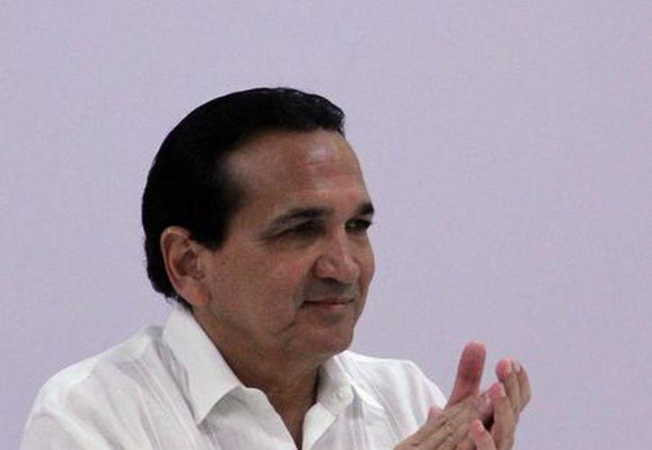 El secretario general de la Concanaco, José Manuel López Campos, destacó que el turismo social es un <i>detonador</i> de la economía. (SIPSE)