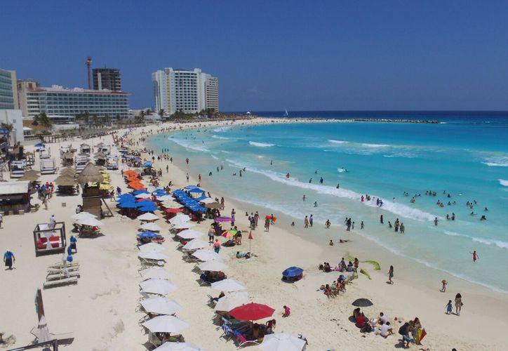 Estas acciones permiten contar desde este momento con playas limpias. (Israel Leal/ SIPSE)