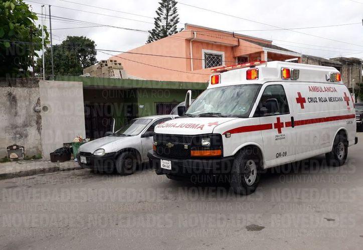 El cuerpo del occiso quedó tirado en la zona con impactos de bala. (Eric Galindo/ SIPSE)