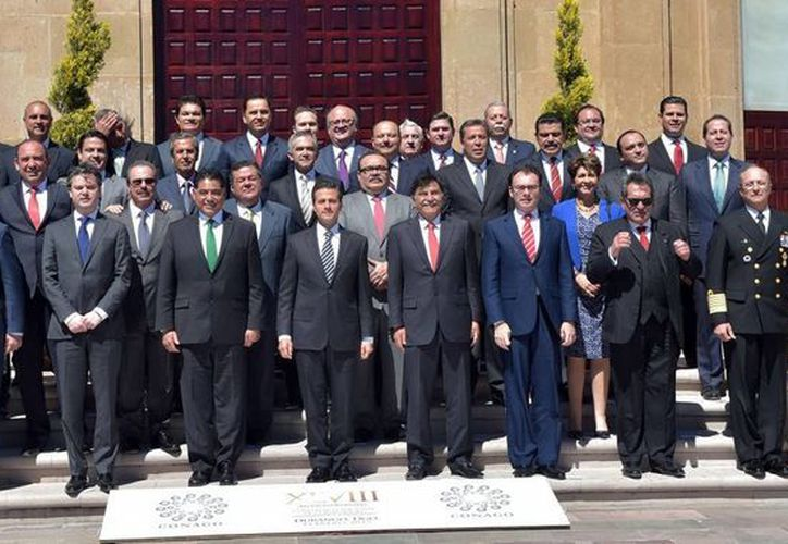 El Presidente (centro) asistió a la XLVIII Reunión Ordinaria de la Conago, en Durango. (Milenio Novedades)