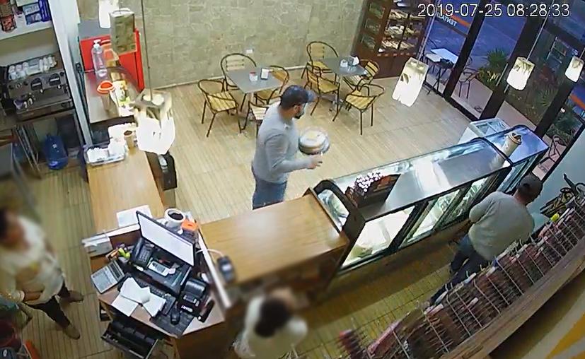 El asalto ocurrió alrededor de las 20:27 horas de ayer. (Redacción/SIPSE)