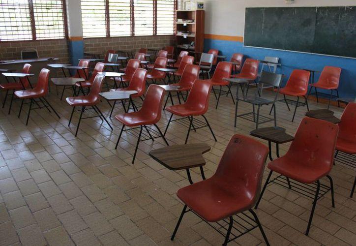 La escuela primaria Aquiles Serdán se quedó sin el turno de la tarde. (Harold Alcocer/SIPSE)