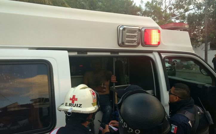 Un elemento de la Policía Federal que se encontraba fuera de servicio resultó lesionado con un arma blanca durante las primeras horas de ayer, en Cancún. (Pedro Olive/SIPSE)