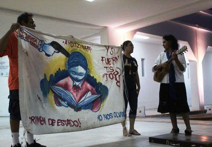 Durante más de una hora que duró el evento participó Elsy Cauich, activista en la ciudad. (Octavio Martínez/SIPSE)