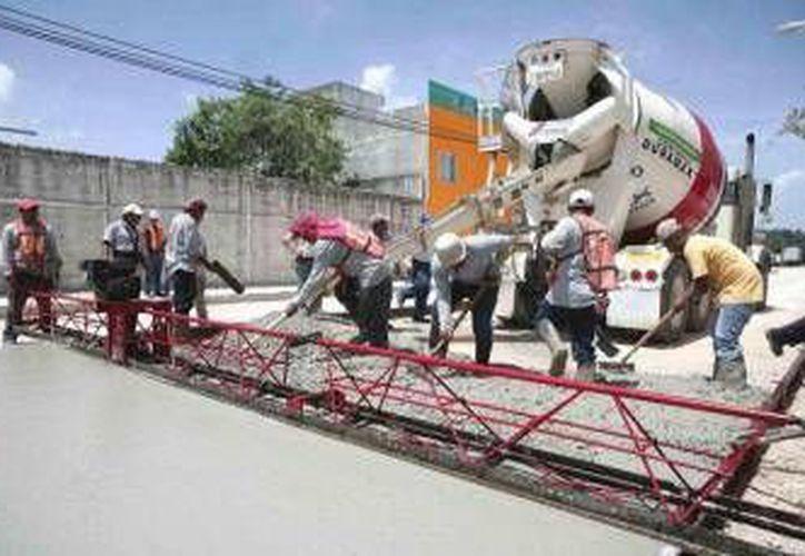 Pavimentación de concreto hidráulico en las vialidades del municipio. (Archivo/SIPSE)