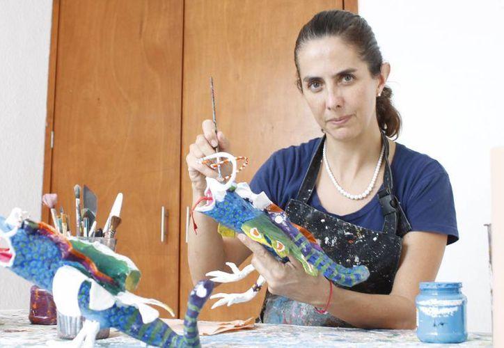 La artista ha trabajado prácticamente todas las técnicas  y temáticas. (Faride Cetina/SIPSE)