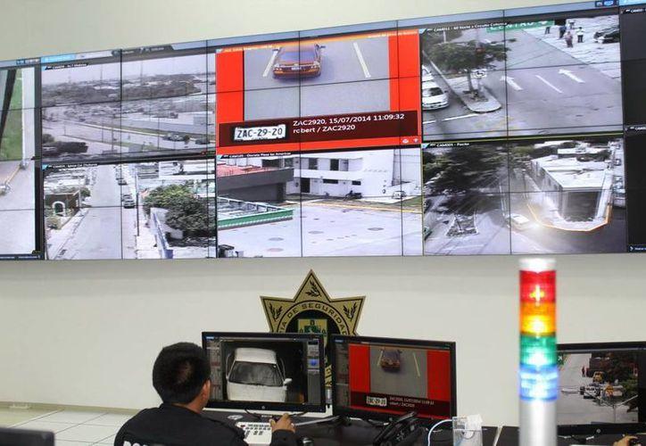 La vigilancia policíaca y la participación ciudadana son efectivas para la disminución de los robos de vehículos. (Milenio Novedades)
