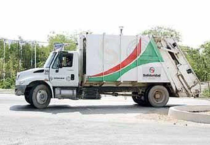 Los camiones recolectores no deben recibir sebos, vísceras y tripas, aceite vegetal quemado, entre otros residuos. (Carlos Calzado/SIPSE)