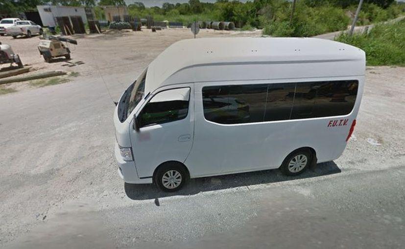 Las combis foráneas que trasladan a usuarios de Mérida a poblaciones cercanas como Conkal realizaron un aumento en sus tarifas. (Google Maps)