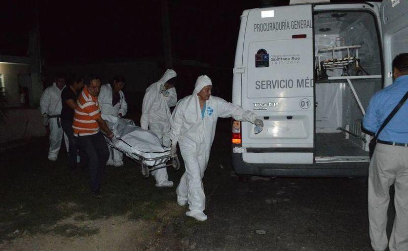 El Servicio Médico Forense realizó el levantamiento del cuerpo para realizar la necropsia de ley. (Redacción/SIPSE)