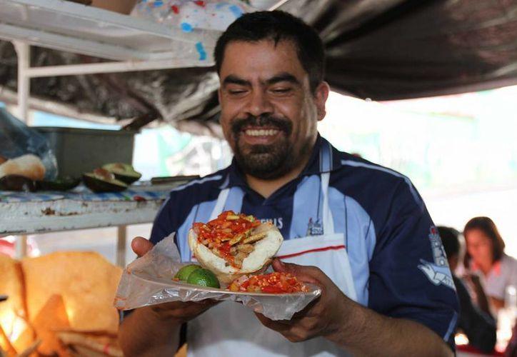 Quien fue a León y no probó una tradicional guacamaya, no estuvo en León. (Notimex)
