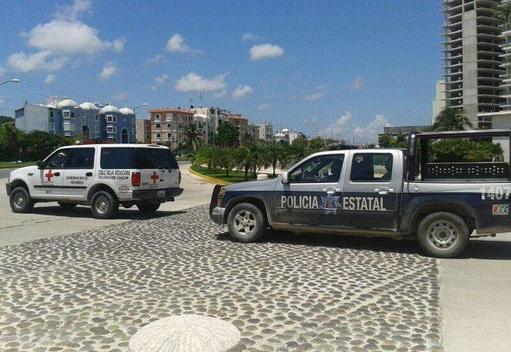 Elementos de la Policía Estatal, Bomberos y Cruz Roja arribaron al lugar. (Jazmín Ramos/SIPSE)