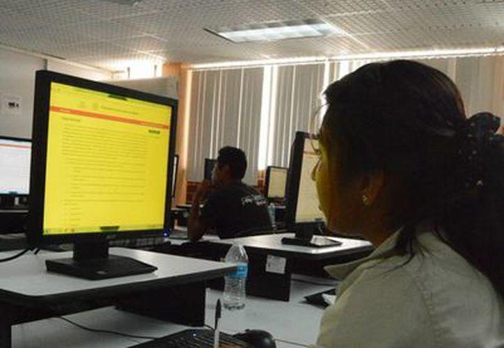 Los alumnos pusieron a prueba sus conocimientos. (Victoria González/SIPSE)