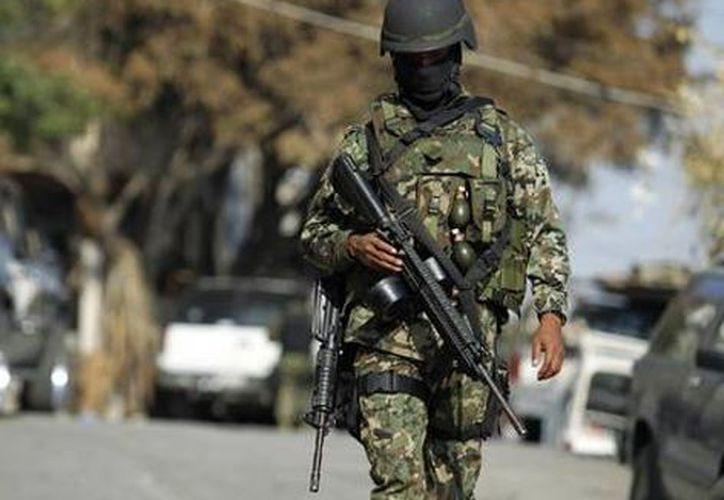 Elementos de la 45 Zona Militar trabajaron de forma coordinada con la Fuerza de Reacción Aeromóvil. (Notimex)