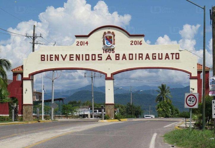 La tensa situación que vive el municipio de Badiraguato ha ocasionado que hasta los profesores se ausenten de las aulas. (astrolabio.com.mx)