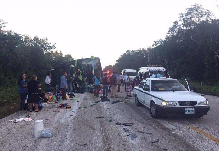 El accidente carretero ocurrió el pasado 22 de diciembre donde un autobús se volcó. (Benjamín Pat/SIPSE)