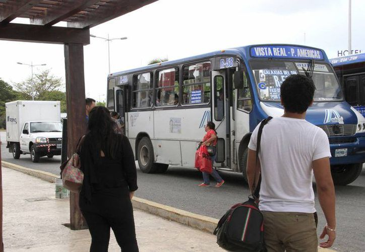 Las empresas de transporte público piden aumento a las tarifas. (Redacción)