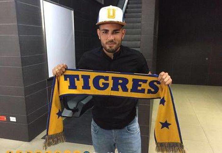 Delort llega al conjunto de Nuevo León, procedente del club francés Caen de la Liga 1.(Foto tomada de Twitter @TigresOficial)