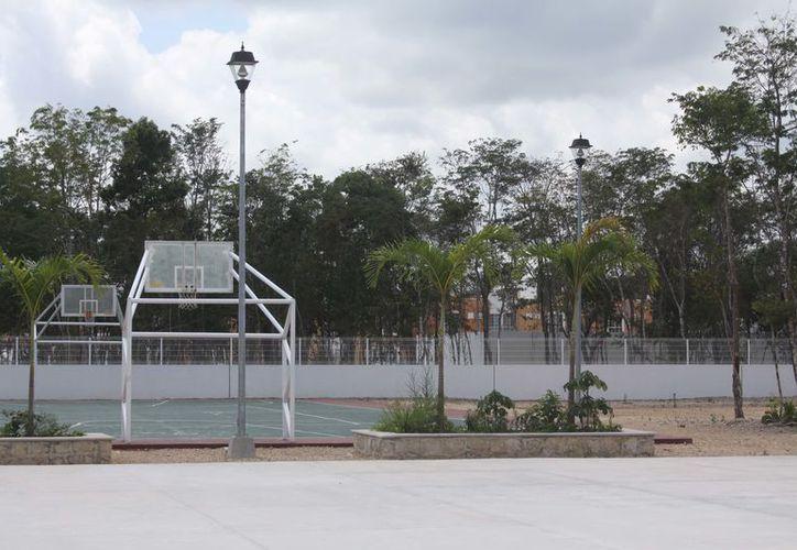 El proyecto contempla la instalación de gradas en uno de los costados, por lo que la inversión podría ser aún mayor. (Adrián Barreto/SIPSE)
