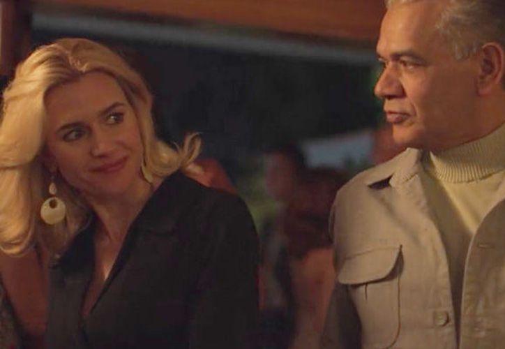 La periodista Claudia de Icaza considera que la serie de Netflix ahondará en la forzada relación entre Marcela Basteri y Arturo Durazo. (Internet)