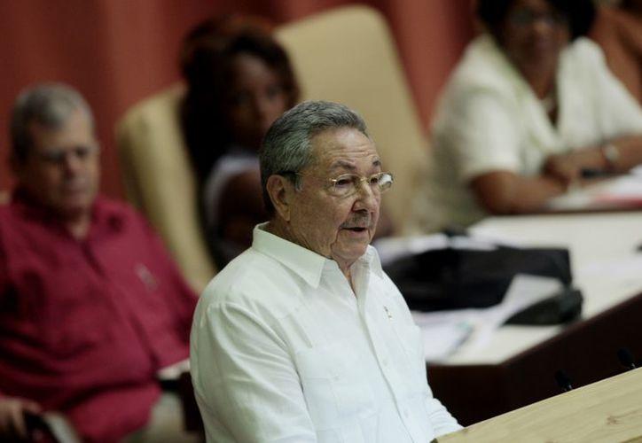 Raúl Castro lanzó un programa que creó 230 cooperativas en diversos sectores productivos. (Agencias)