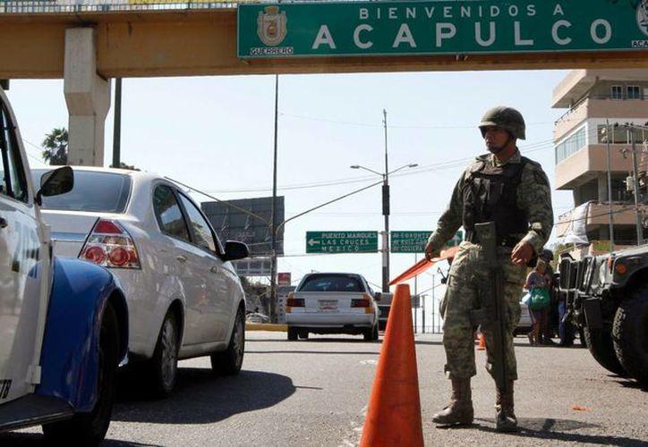 Ante los indices de violencia en Guerrero, el Ejército aumentó su presencia en el estado. (laotraopinion.com.mx)