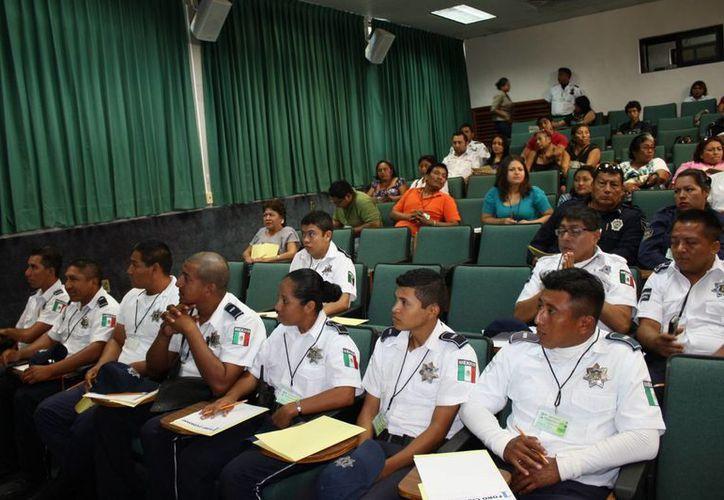 Mantiene la PMP vigilancia permanente de sus elementos policíacos para evitar y sancionar abuso de su cargo. (Enrique Mena/SIPSE)