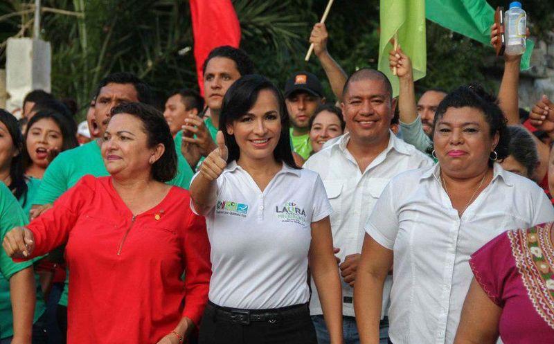 Laura Fernández, candidata a la presidencia de Puerto Morelos solicito el apoyo de la comunidad de Leona Vicario para continuar un proyecto impulsor. (SIPSE)