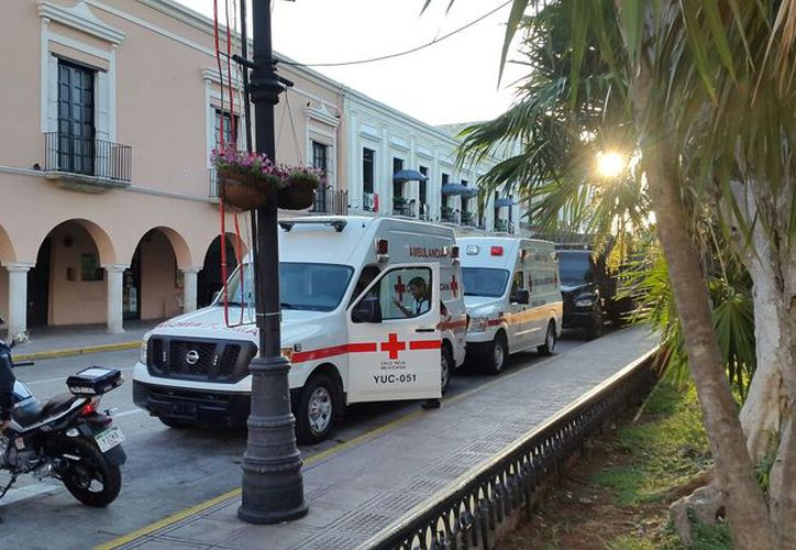 Unidades de rescate listas para ofrecer ayudar a los afectados por el sismo. (Milenio Novedades)