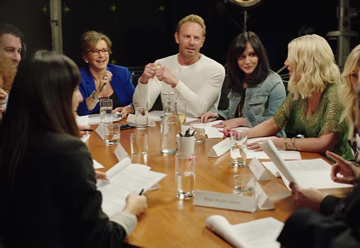 hanen Doherty, Tori Spelling y Brian Austen Green son solo algunos de los actores que salen en el teaser. (Internet)
