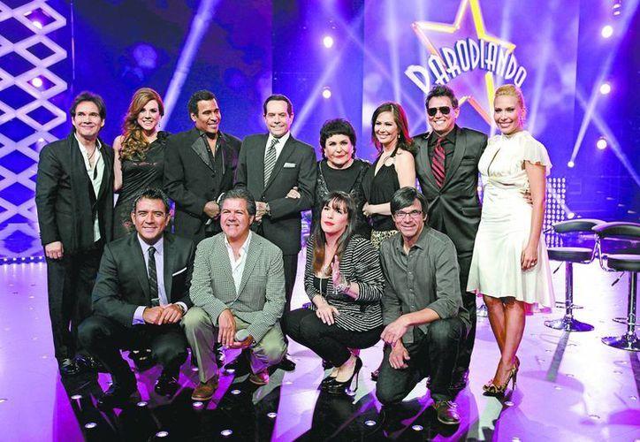 Los productores presentaron a su nuevo equipo de trabajo de Parodiando. (Milenio)