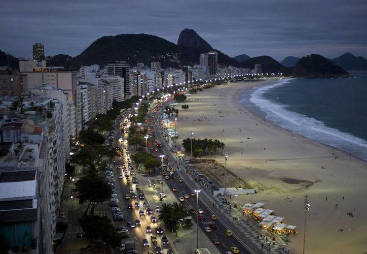 Hoteleros de Brasil ya hacen grandes cuentas con las  millonadas que creen que ganarán con el Mundial. (Agencias)