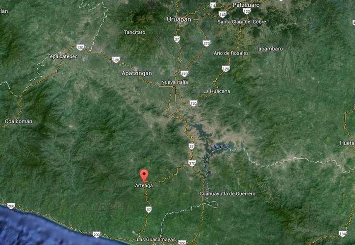 El choque armado ocurrió a las 17:00 horas en Arteaga, cerca de Infiernillo, Michoacán. (Google Maps)