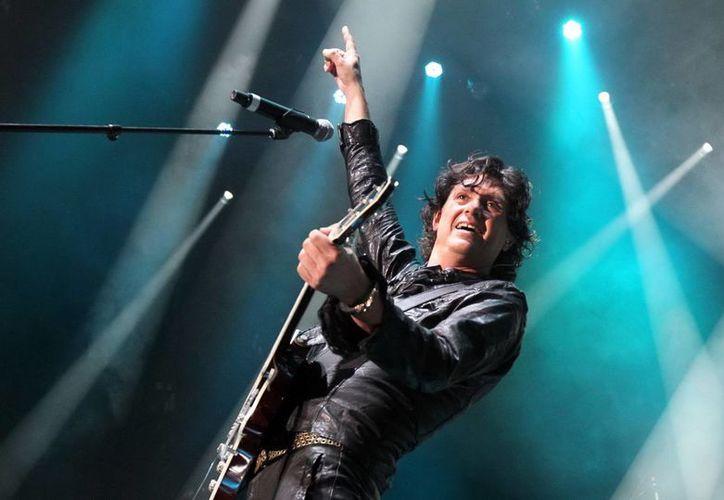 Saúl Hernández, líder de la banda Caifanes, afirma que  las redes sociales y los fans han colaborado para que el grupo se mantenga vigente. (Notimex)