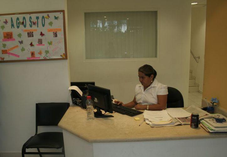 Las mujeres entre 31 y 60 años con escolaridad de secundaria son las que interponen con más frecuencia su queja ante la institución. (Tomás Álvarez/SIPSE)