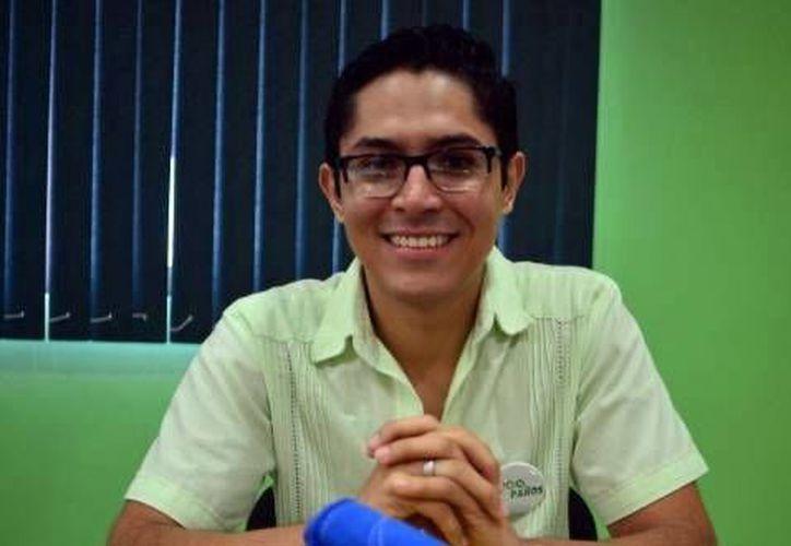 """Juan Manuel Loera Acevedo presentó su proyecto """"Eco paños""""  . (Milenio Novedades)"""