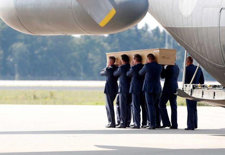 """El semanario """"Der Spiegel"""" asegura que los separatistas prorrusos utilizaron un sistema antiaéreo tipo Buk. (EFE)"""