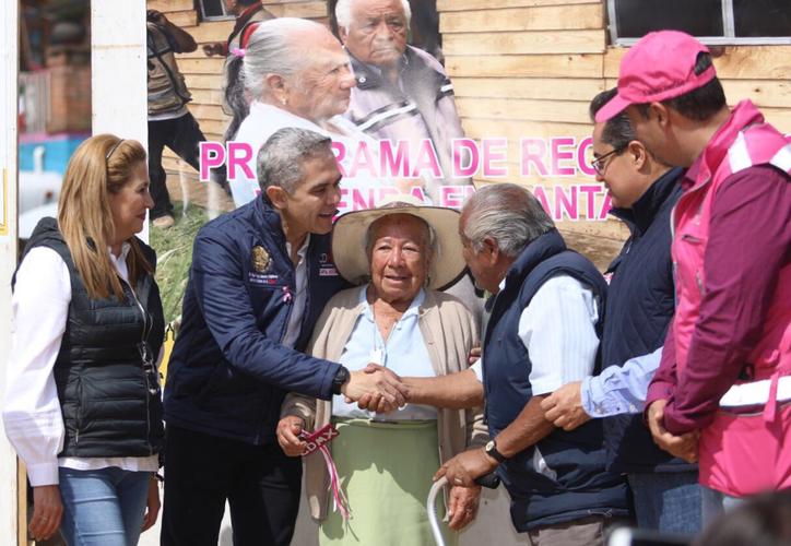 Esta es la primera vivienda de este tipo que se entrega de unas 90 que tiene contemplado del gobierno de la Ciudad de México. (Twitter)
