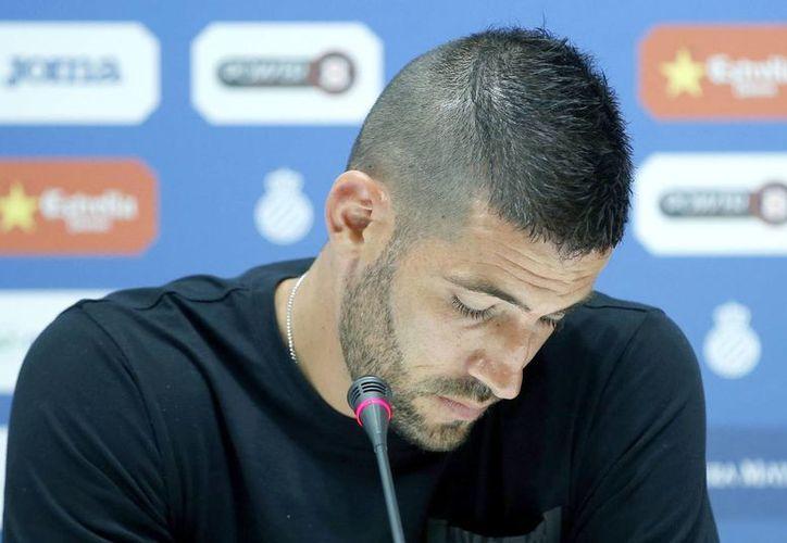 Kiko Casilla asegura que conoce 'bastante' del Real Madrid, pues cuando fue un adolescente estuvo en las filas merengues. (EFE)