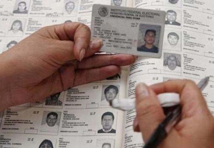 Las listas permiten verificar que cada ciudadano que emita su voto se encuentre en las mismas y se registre. (Internet)