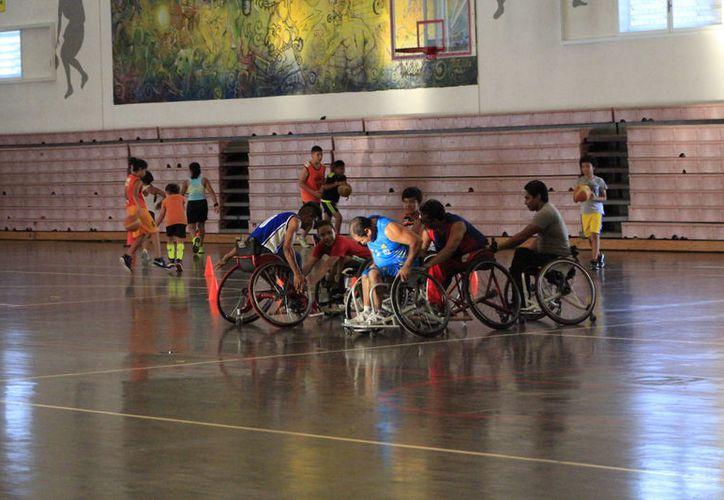 Se foguearán con atletas de mayor experiencia y esto sirve como preparación para otros eventos nacionales como la Paralimpiada. (Miguel Maldonado/SIPSE)
