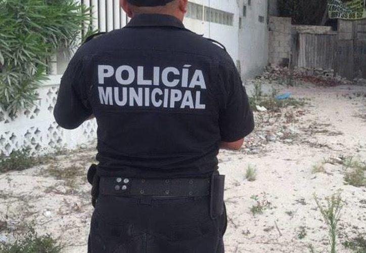 Policías municipales recomiendan a pobladores y visitantes evitar andar en calles solitarias por las mañanas y por las noches, para evitar atracos. (Archivo/SIPSE)