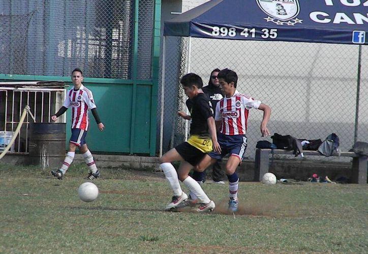 El equipo comandado por César Valle Aranda fue superior a su rival. (Ángel Mazariego/SIPSE)