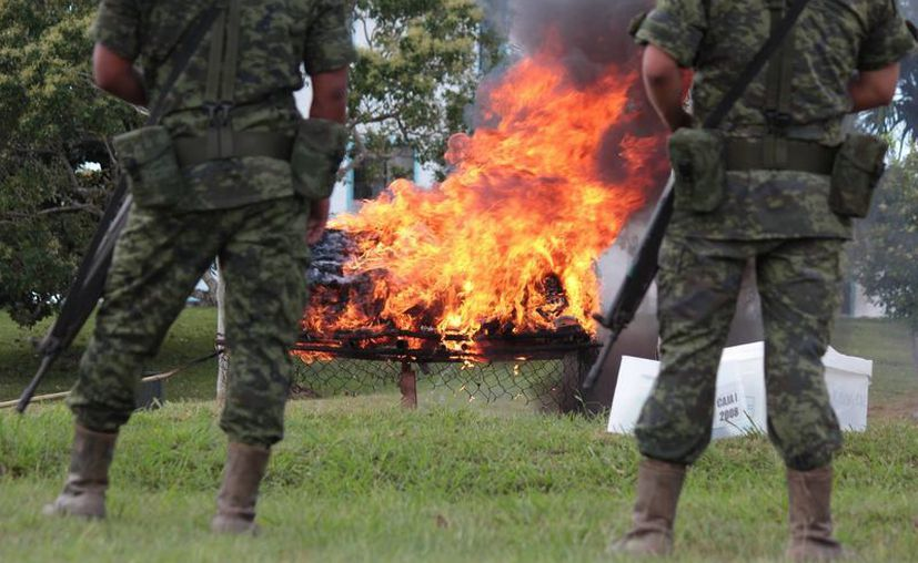 La quema fue en las instalaciones de la Guarnición Militar. (Gustavo Villegas/SIPSE)