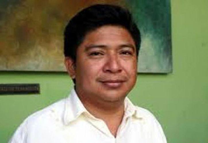 El director del Instituto de Vivienda del Estado (IVEY), César Escobedo May (Milenio Novedades)