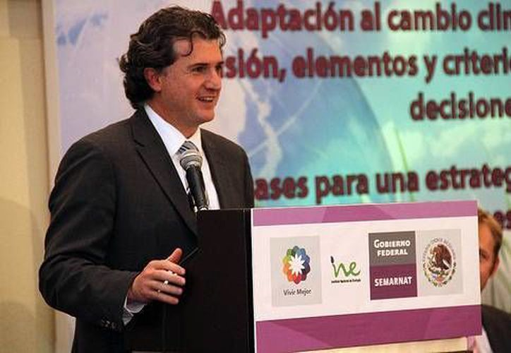 El titular del INE, Francisco Barnés Regueiro, denunció las anomalías detectadas en la nómina del instituto. (Archivo/ine.gob.mx)