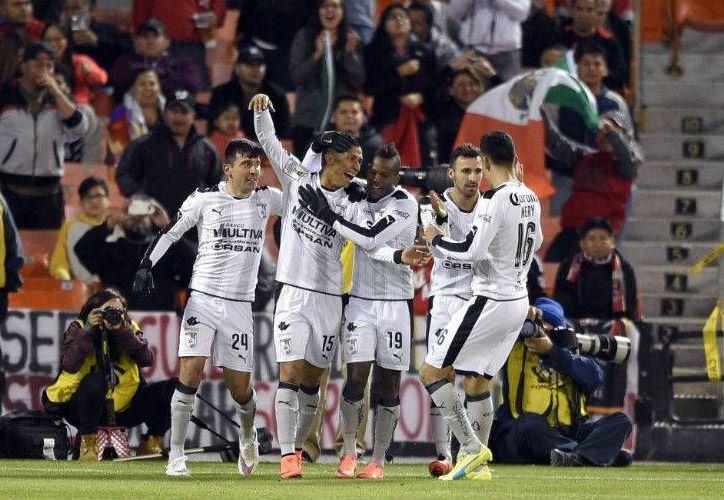 Querétaro tras consagrarse en la Copa MX, obtuvo la posibilidad de pelear un boleto a la Libertadores del próximo año, el cual los equipos mexicanos no disputarán.(Notimex)